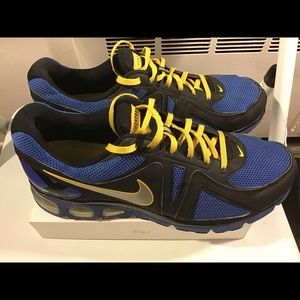 Men's Nike limited edition live strong sneakers.